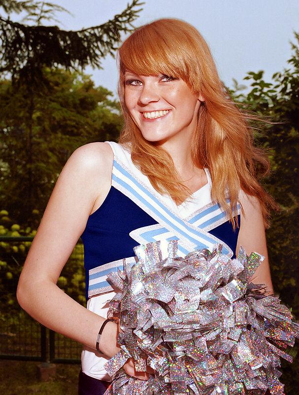 Cheerleader-1-by-Arne-Siemeit.jpg